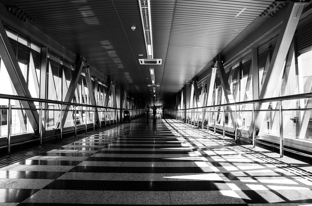 940 - Elevated Walkway