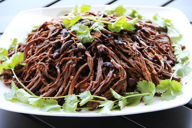 茶树菇蚂蚁上树 - phantomoon