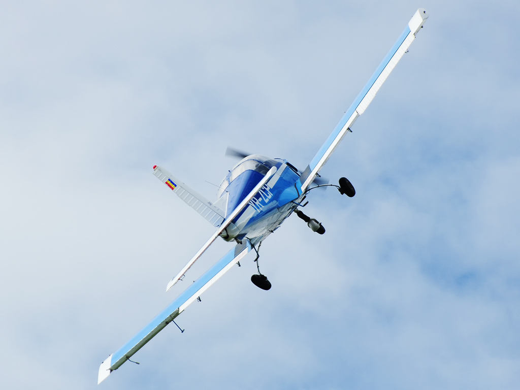 CLINCENI AIR SHOW 2012 - POZE 7335010170_caeb506284_o
