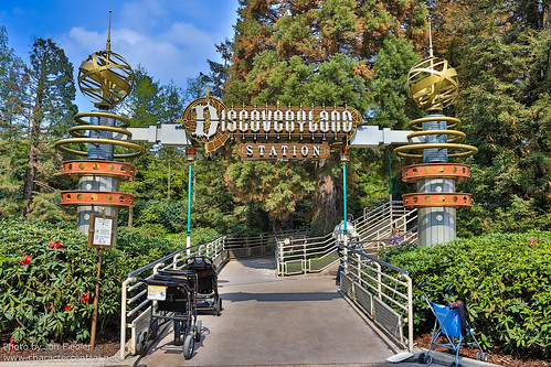 DLP April 2012 - Wandering through Discoveryland