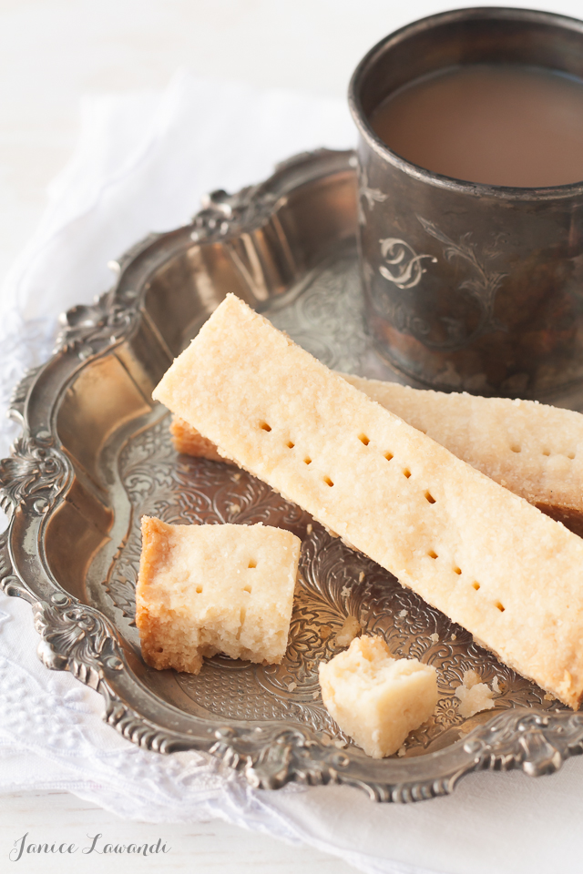 Shortbread cookies and a cup of tea | Janice Lawandi @ kitchen heals soul