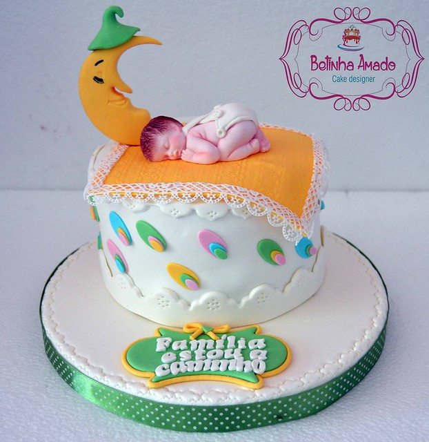 Cute Baby Shower Cake by Betinha Amado