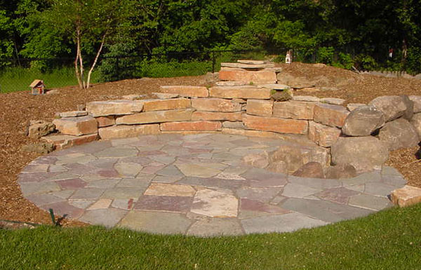 ... Chilton Flagstone Patio With Chilton Weathered Edge Outcroppings ...