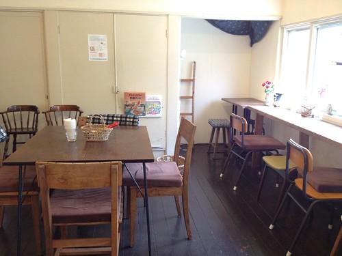 カフェスペースはそんなに広くないですが、落ち着く感じです。@cafe Birdbath