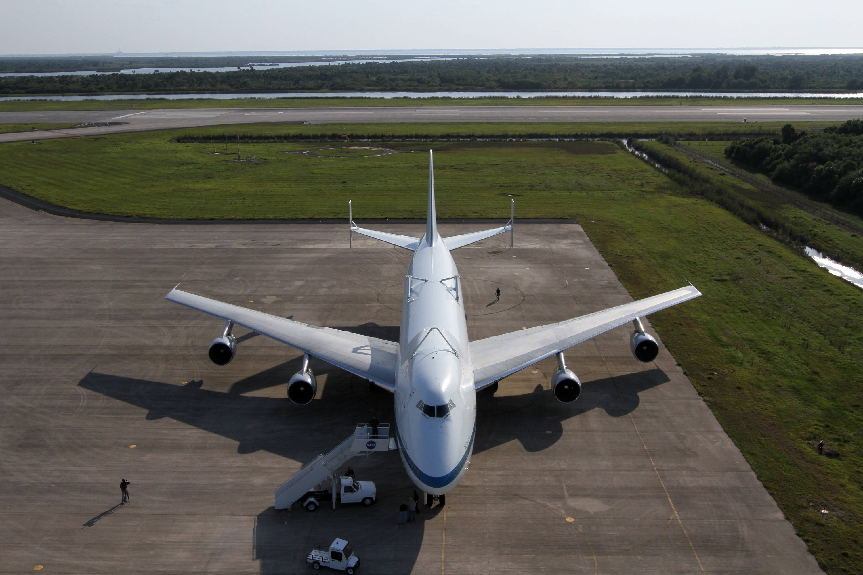 Shuttle Carrier Aircraft Arrives at Kennedy Space Center ...