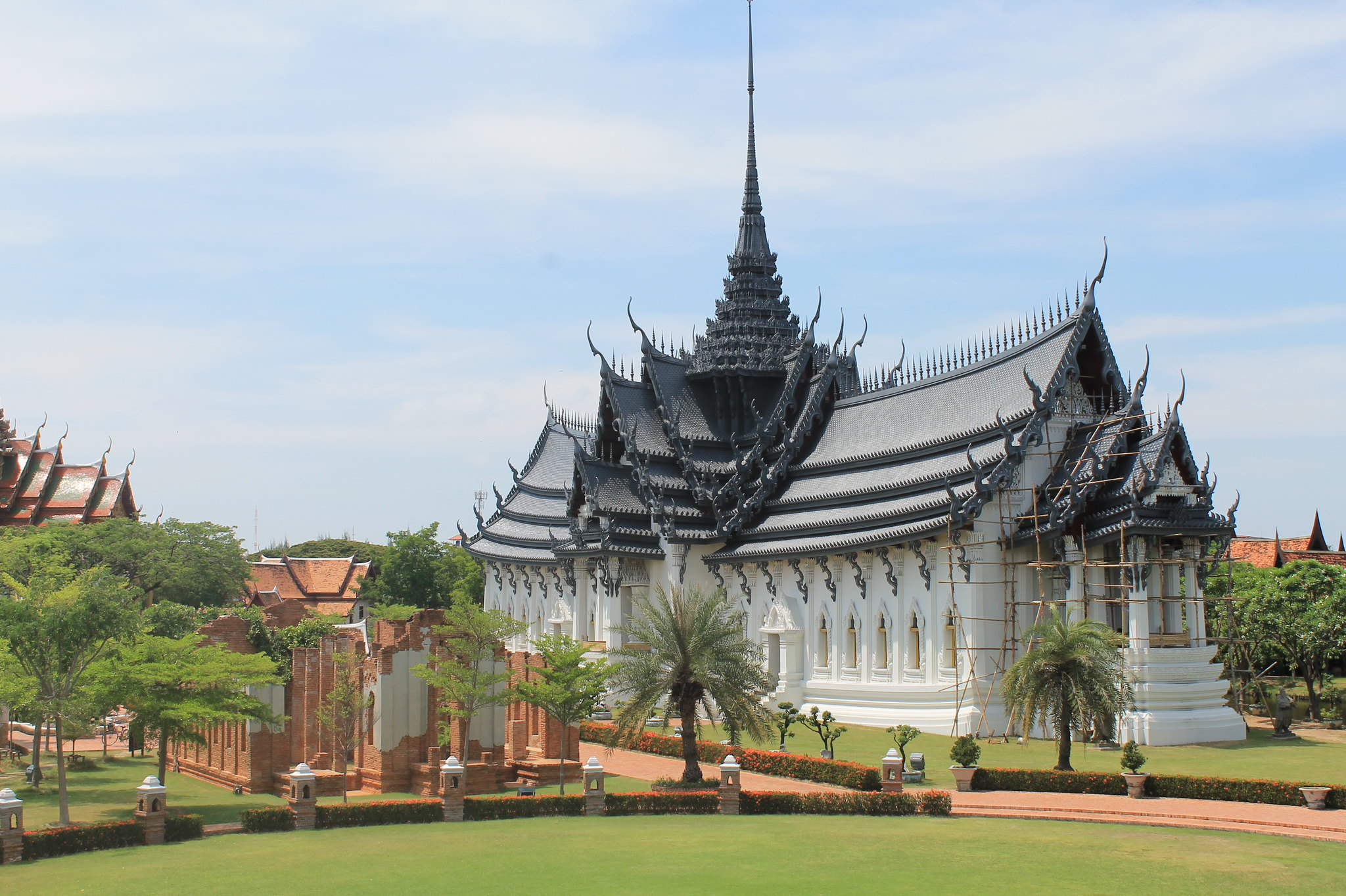 Thai architecture flickr photo sharing for Thailand architecture