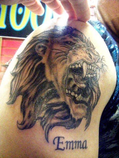 Lion Roaring Tattoo black and grey