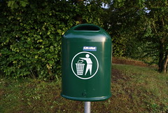 waste containment, waste container, litter, green, lawn,