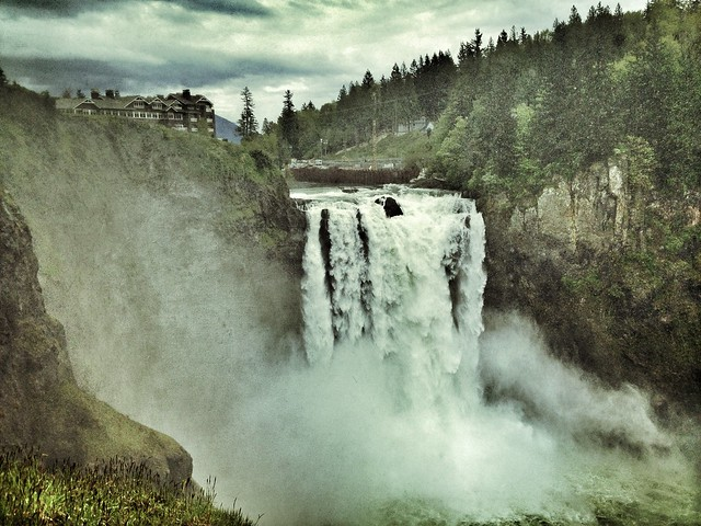 Snoqualmie Falls iPhone