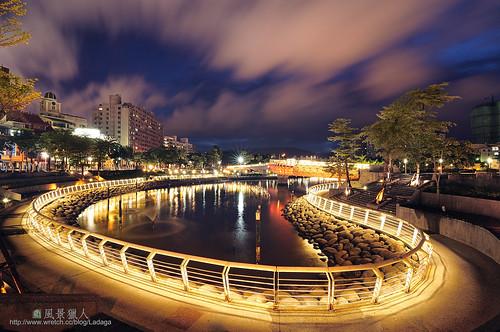 sunset reflection night heart taiwan kaohsiung 台灣 高雄 夜景 日落 風景 河濱公園 愛河 黃昏 傍晚 噴水池 愛河之心 流雲 風景獵人