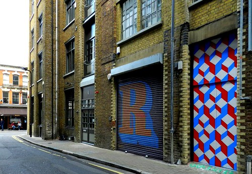 ravey street by Carl Cashman