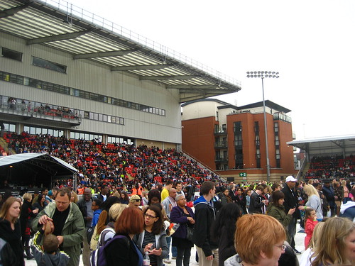 Party on the Pitch :: Leyton Orient Stadium full of local music fans