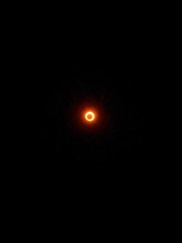 金環日食!スマホのカメラに無理矢理眼鏡つけて撮影。