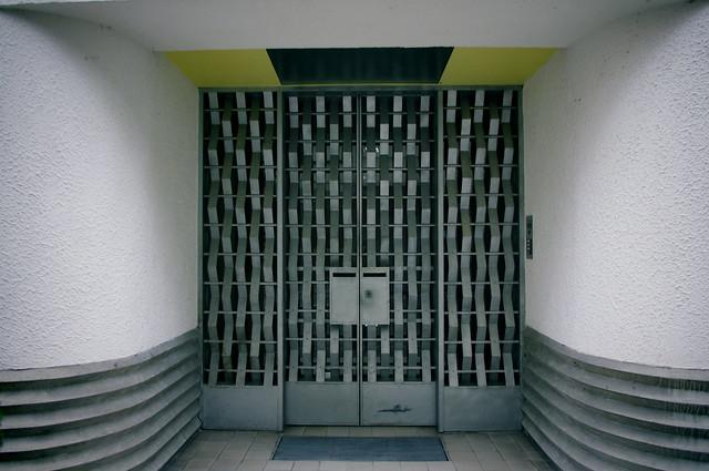 Door. Rue Mallet Stevens.
