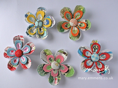 Selvedge brooches for sample swap