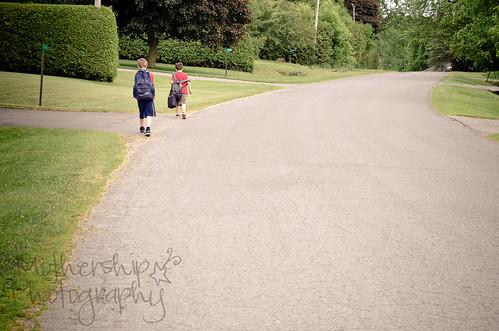 从学校散步