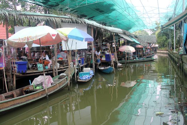 trip bangkok bang pheung floating market