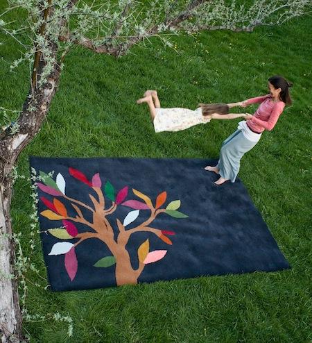 è bella_Tree of Life rug_Charcoal
