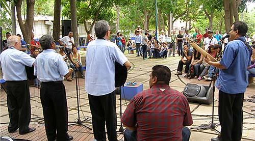 """En UDO Sucre dieron serenata """"para papá"""" en su día"""