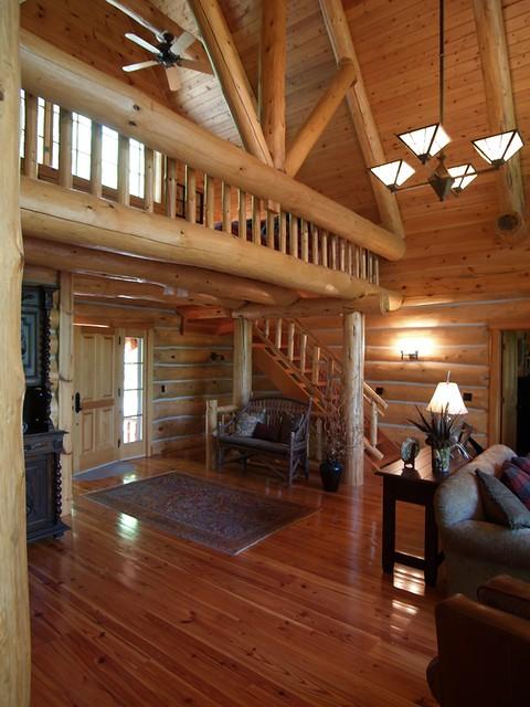 Log Home Foyer : Photo