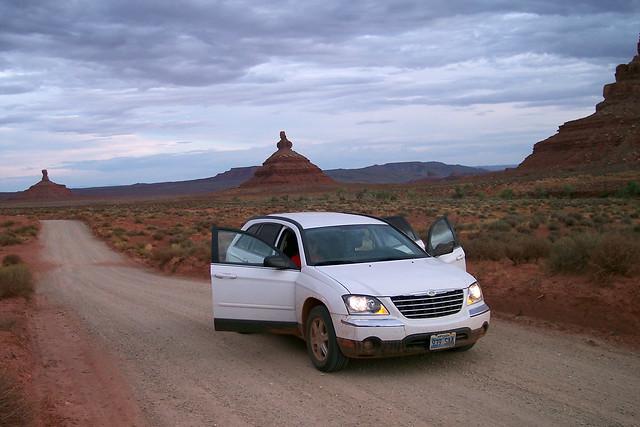 Con nuestro coche por los caminos del Valle de los Dioses Valle de los Dioses en Mexican Hat, Utah - 13902330451 f72e879e04 z - Valle de los Dioses en Mexican Hat, Utah