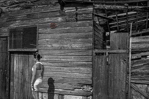 Blanco y Negro en el 259- by Rey Cuba