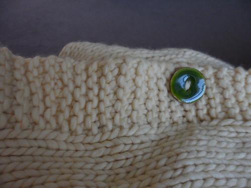 Debbie Bliss Como sweater cardigan buttons matching handspun thread