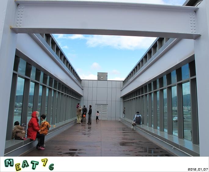【遊樂台北】松山機場|眼前的起降輸給天倫同樂的感動與情侶的氛圍感染22.jpg
