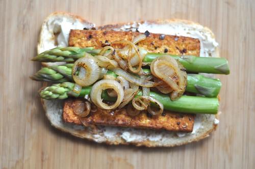 neverhomemaker: Open-Faced Asparagus and Tofu Sandwich