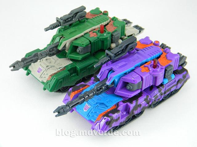 Transformers Tank Megatron Deluxe - United - modo alterno vs Classic