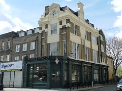 Picture of Crown And Anchor, SW9 6AQ
