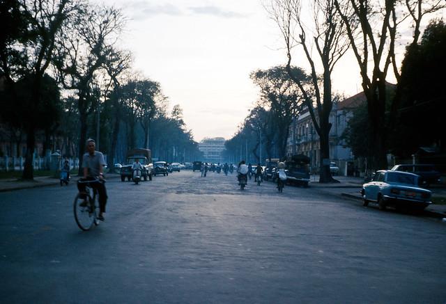Presidential Palace - Chiều tà trên đại lộ Thống Nhất