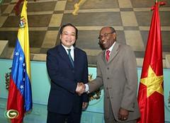 Phó Thủ tướng Hoàng Trung Hải hội kiến Phó Chủ tịch Quốc hội Venezuela