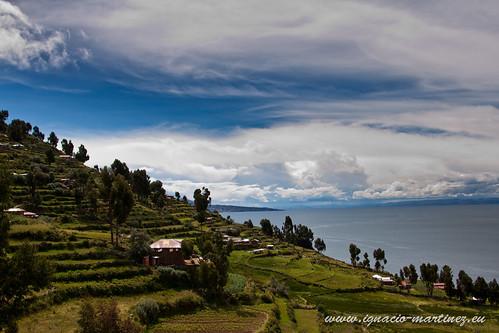 lake peru uros titicaca lago titikaka taquile islas puno