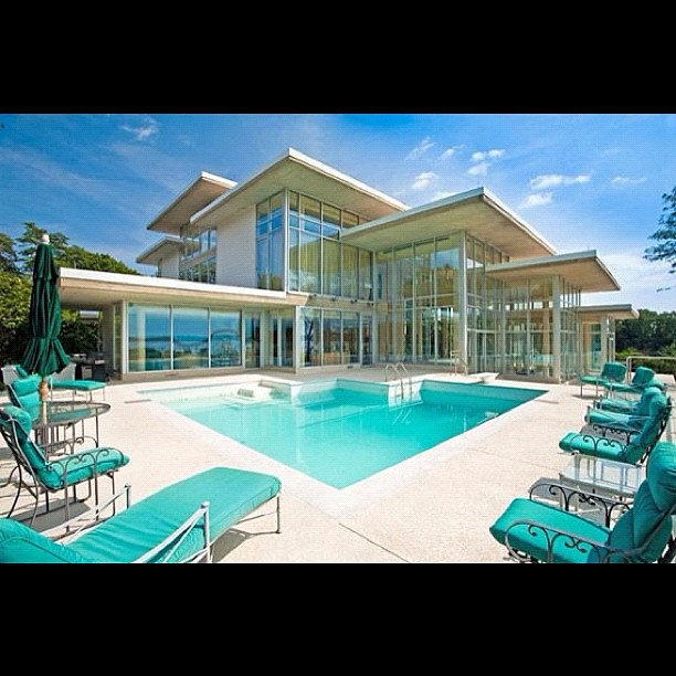 Huge Houses With A Pool my future #house #crib #mansion #glass #pool #water #big #huge