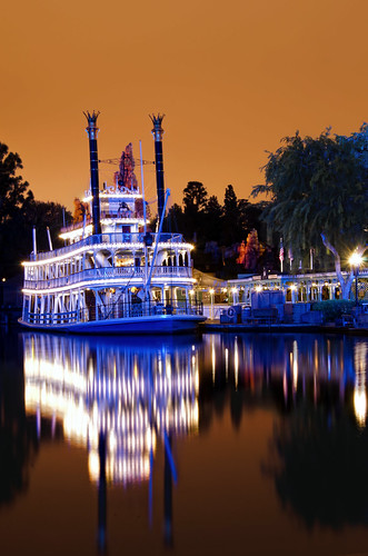 blue sky orange reflection water night lights spring disneyland riverboat southerncalifornia marktwain frontierland marinelayer riversofamerica