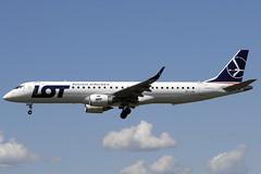 LOT ERJ-190-200LR SP-LND BCN 24/04/2012