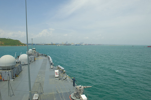 USS Blue Ridge (LCC 19) prepares to arrive in Laem Chabang.