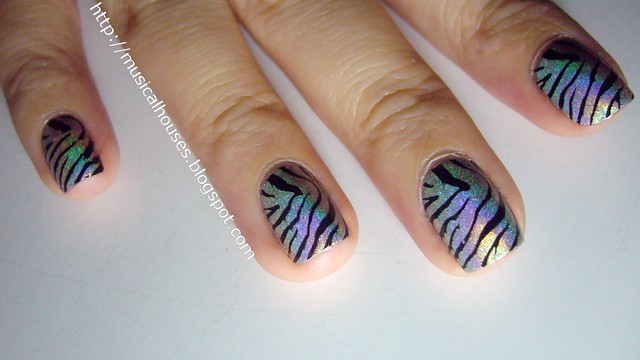 GOSH Holographic zebra stripes konad 3