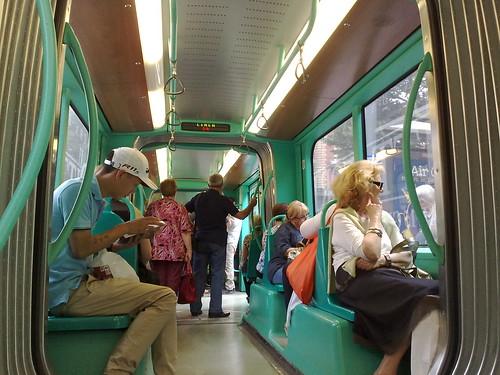 In mezzo al tram by durishti