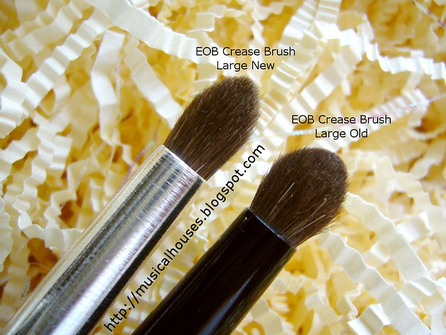 essence of beauty crease brush duo large comparison