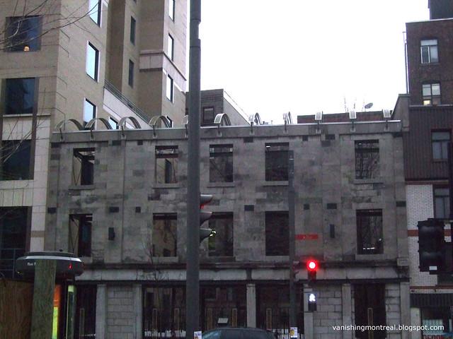 Montreal: Ville Facade