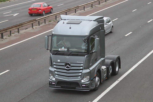 Mercedes Actros MP4 On Test Drive