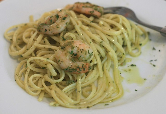 Linguine with pesto and prawns
