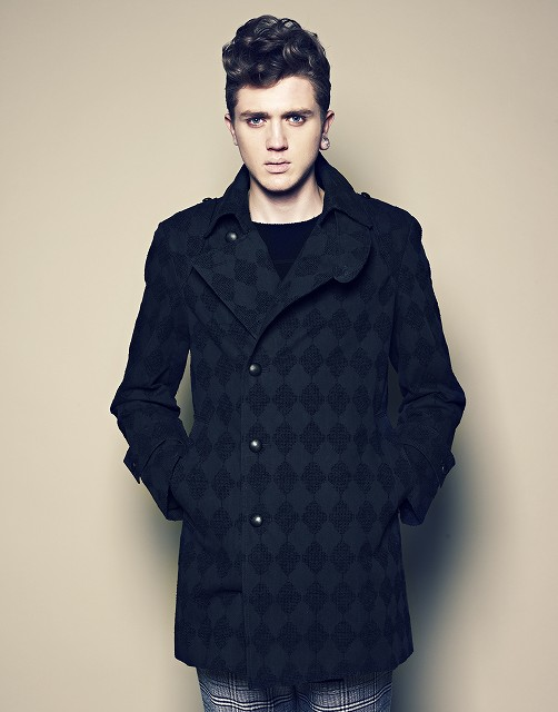 Josh Tuckley0007_MITSUSHI YANAIHARA AW12-13(changefashion)