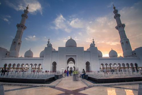 sunset sun clouds canon exposure day teal mosque abudhabi ae markiii moschee sungoesdown sheikhzayedmosque canon5dmarkiii pwpartlycloudy