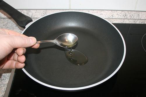 32 - Olivenöl erhitzen / Heat up olive oil