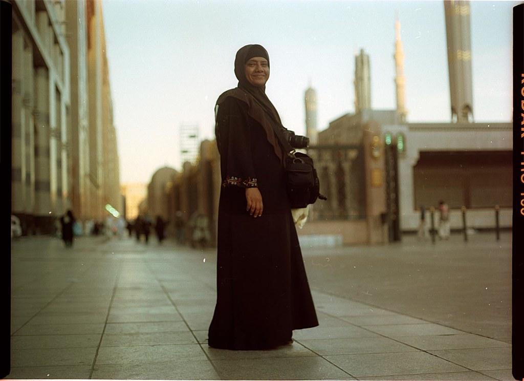 haj jilbab hijab black sky madina haji nabawi mosque travel street