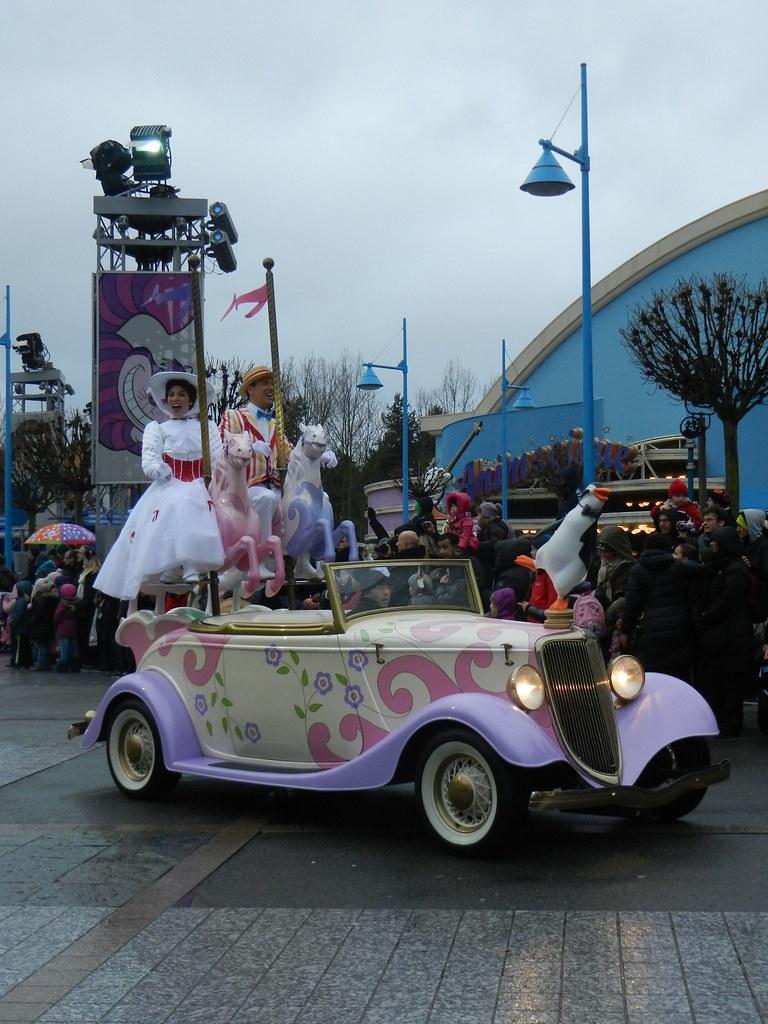 Un séjour pour la Noël à Disneyland et au Royaume d'Arendelle.... - Page 7 13902915225_75a41806d7_b