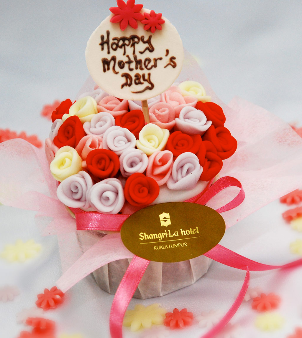 Celebrate-Mother's-Day-in-Shangri-La-Style